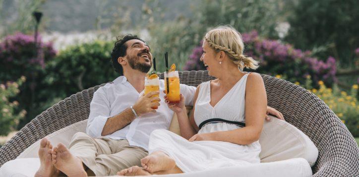 gardens-couple-2